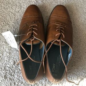 NIB TOMS Oxford Shoes